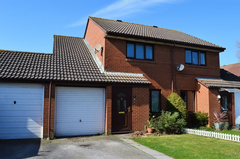3 Bedrooms Semi Detached House for sale in Fathoms Reach, Hayling Island