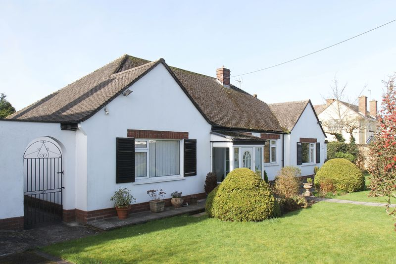 3 Bedrooms Detached Bungalow for sale in Edward Road West, Clevedon
