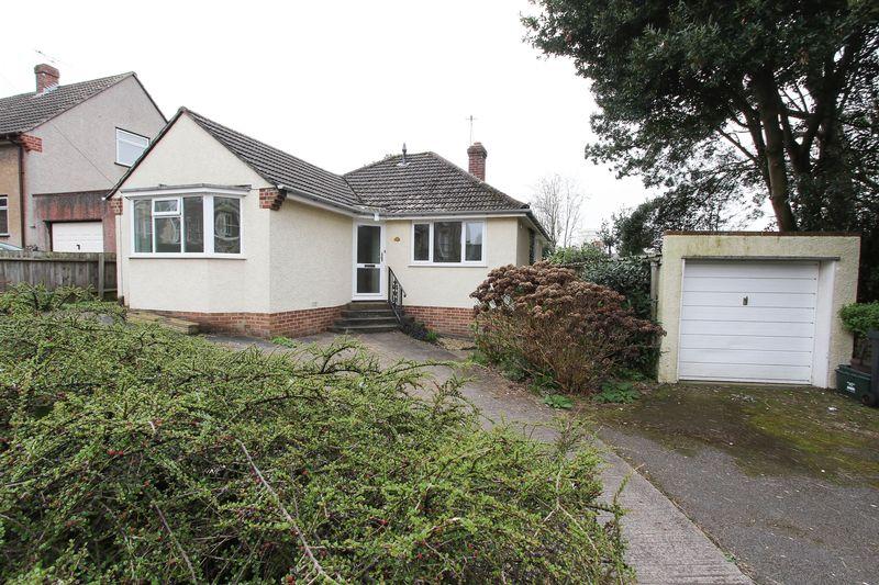 2 Bedrooms Detached Bungalow for sale in Albert Road, Clevedon