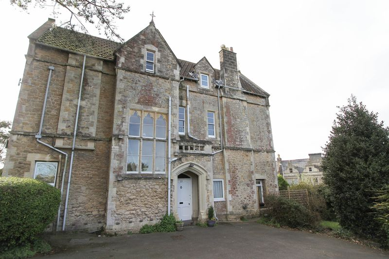 2 Bedrooms Flat for sale in Cambridge Road, Clevedon
