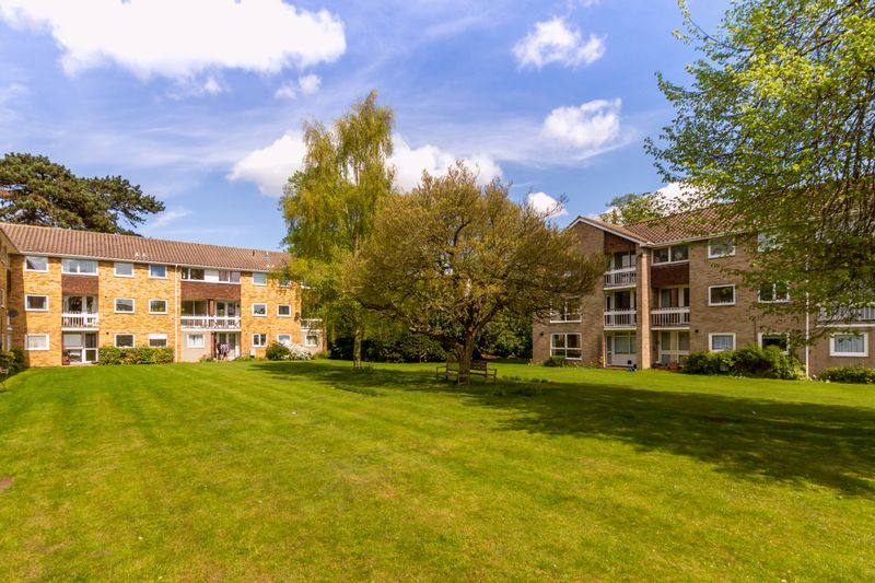2 Bedrooms Flat for sale in Wykeham Crescent, Oxford
