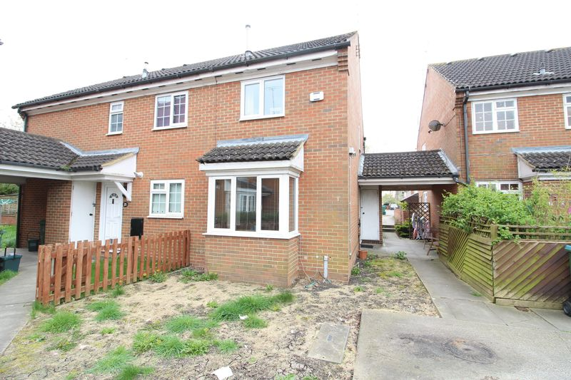 2 Bedrooms Terraced House for sale in Brotheridge Court, Aylesbury