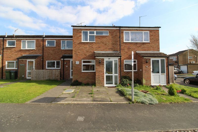 2 Bedrooms Terraced House for sale in Charmfield Road, Aylesbury