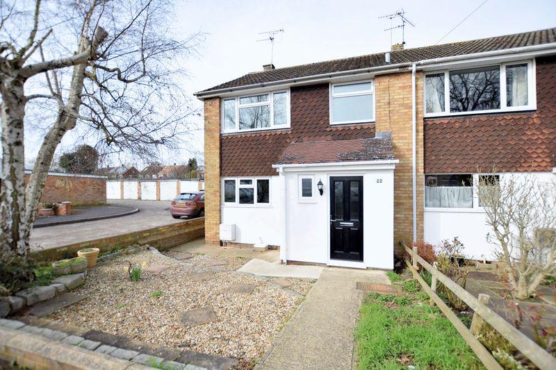3 Bedrooms House for sale in Long Meadow, Aylesbury