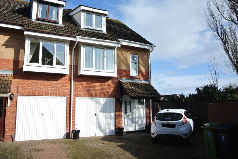 3 Bedrooms Terraced House for sale in Longford Mews, Gloucester