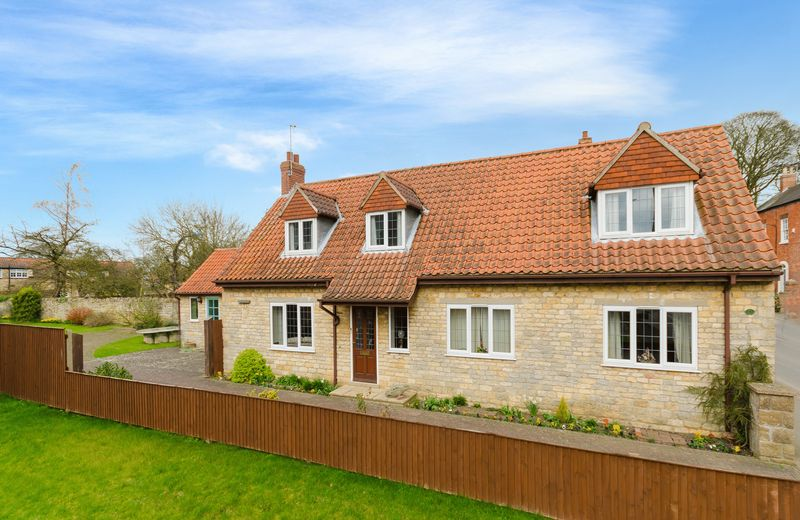 4 Bedrooms Detached House for sale in 2a High Street, Navenby