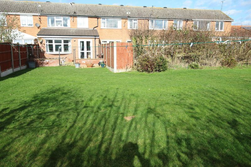 2 Bedrooms Terraced House for sale in 32 Hollywell Road, Lincoln