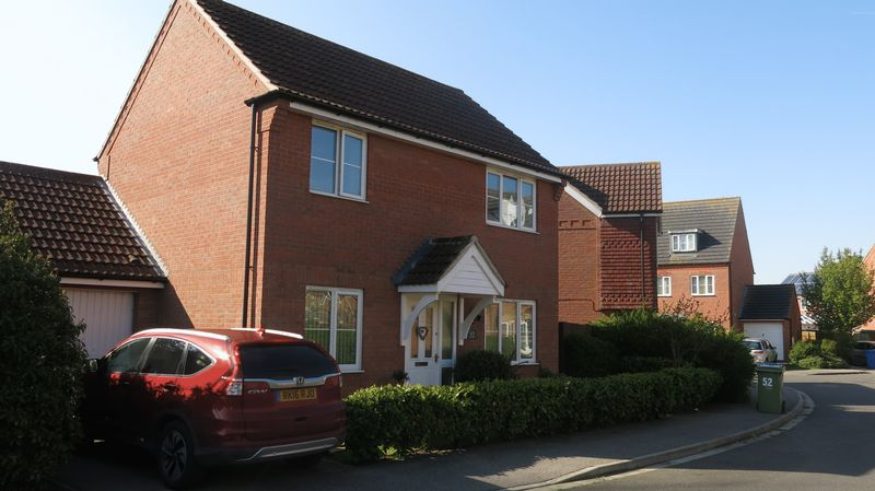 3 Bedrooms Detached House for sale in 52 The Brambles, Middle Rasen