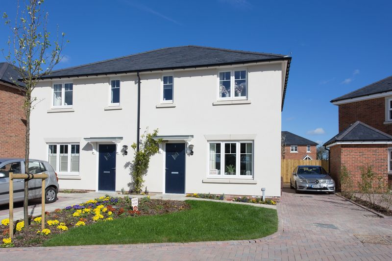 3 Bedrooms Semi Detached House for sale in Sussex Grange, Southbourne