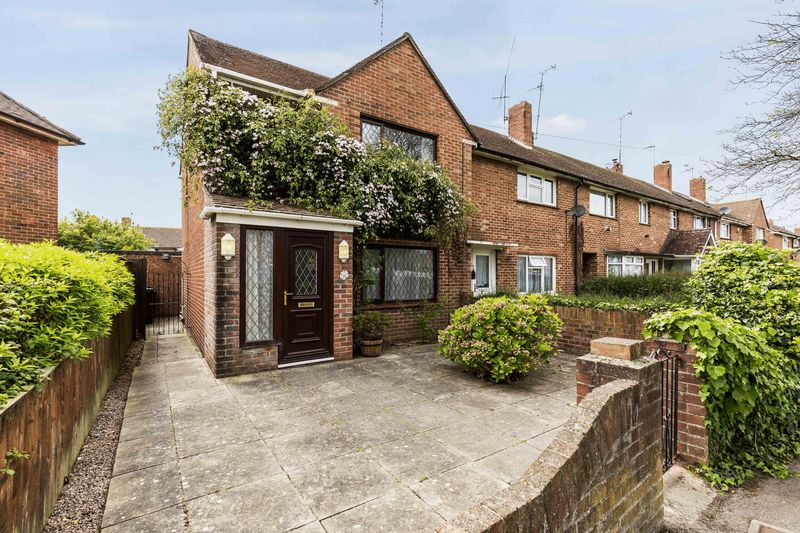 2 Bedrooms Terraced House for sale in Bedhampton Way, Havant