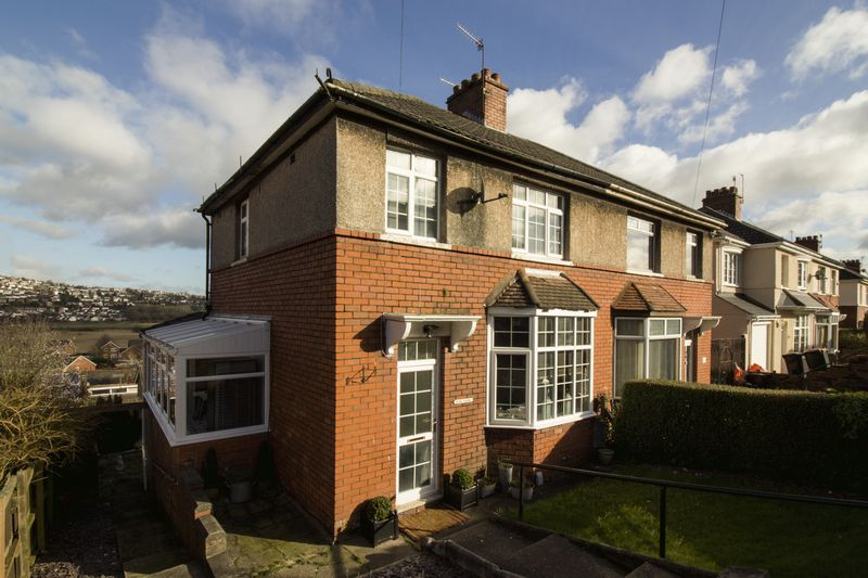 3 Bedrooms Semi Detached House for sale in Caerleon Road, Newport