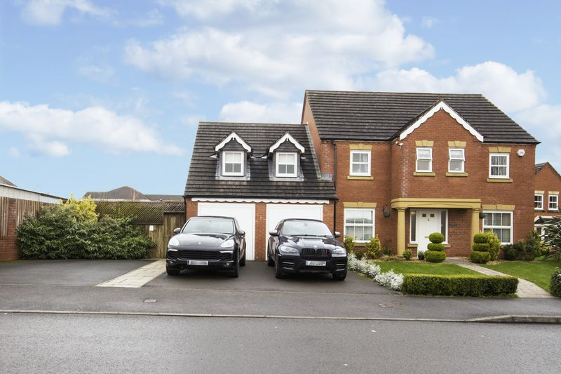 4 Bedrooms Detached House for sale in Ffordd Camlas, Newport