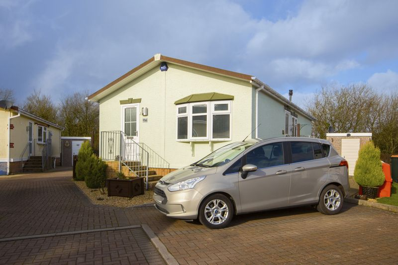 2 Bedrooms Property for sale in Lighthouse Park, Newport