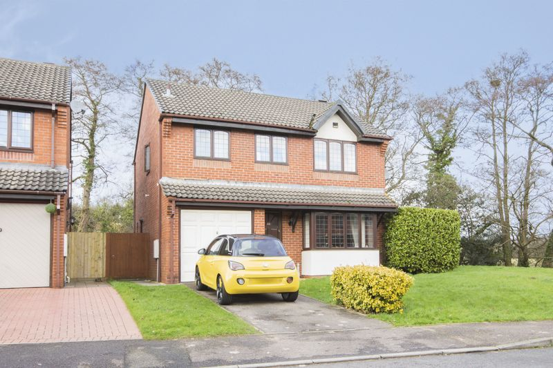 4 Bedrooms Detached House for sale in Harlech Drive, Newport
