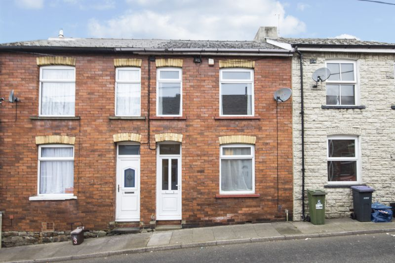 2 Bedrooms Terraced House for sale in Baileys Houses, Pontypool