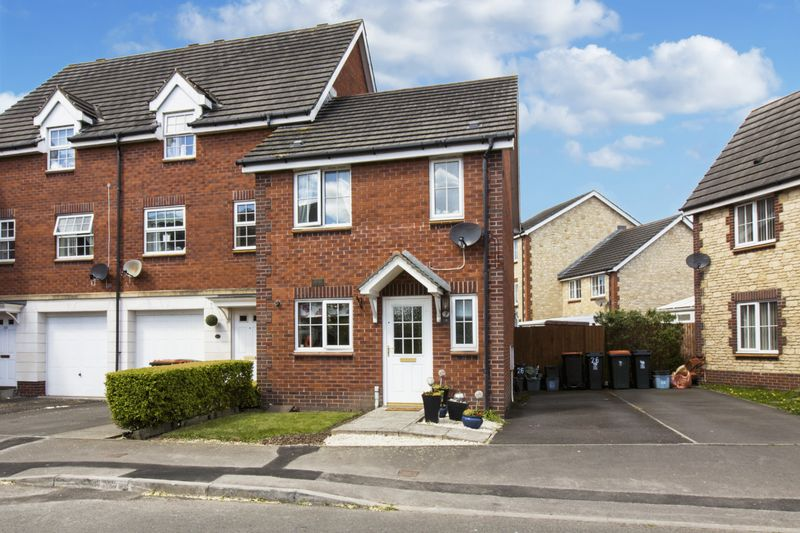 2 Bedrooms Terraced House for sale in Longtown Grove, Newport