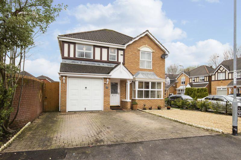 4 Bedrooms Detached House for sale in Manor Park, Newport