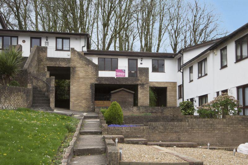 2 Bedrooms Flat for sale in Kensington Gardens, Newport