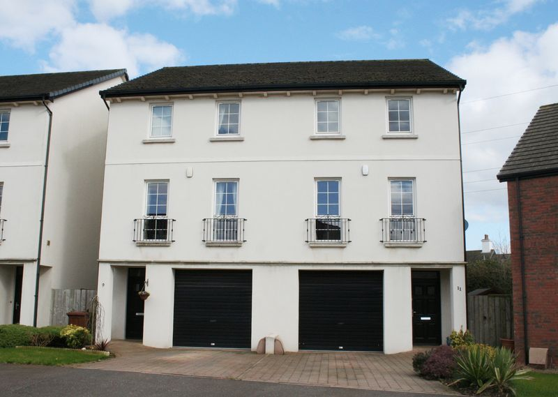 4 Bedrooms Semi Detached House for sale in 11 Fountain Crescent, Lisburn
