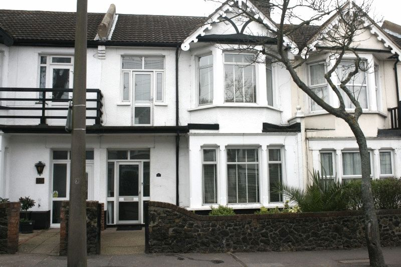 4 Bedrooms Terraced House for sale in Lifstan Way, Southend-On-Sea