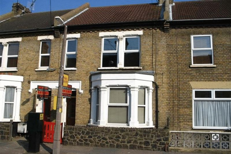 2 Bedrooms Flat for sale in Napier Avenue, Southend-On-Sea