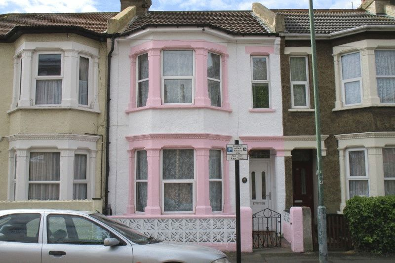 3 Bedrooms Terraced House for sale in Beresford Road, Southend-On-Sea