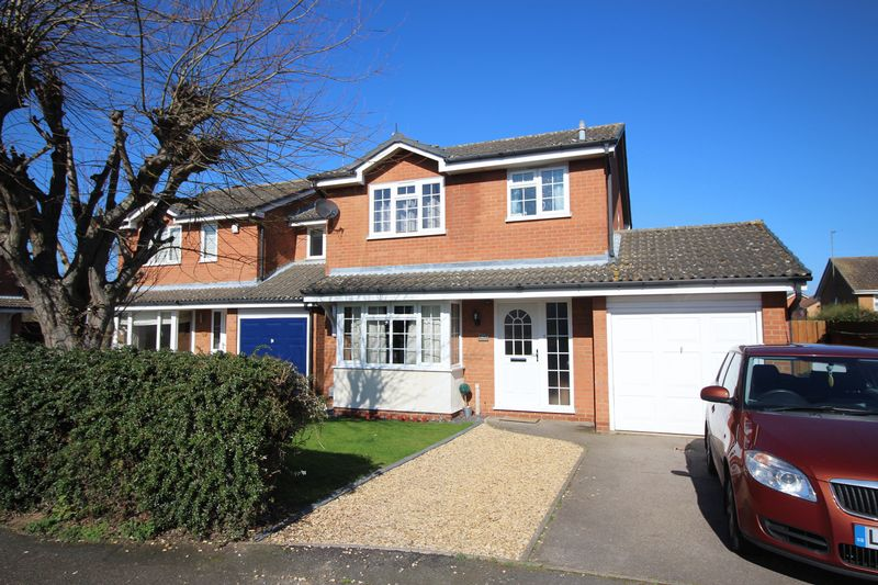 3 Bedrooms Detached House for sale in Grasmere, Stukeley Meadows, Huntingdon, Cambridgeshire.