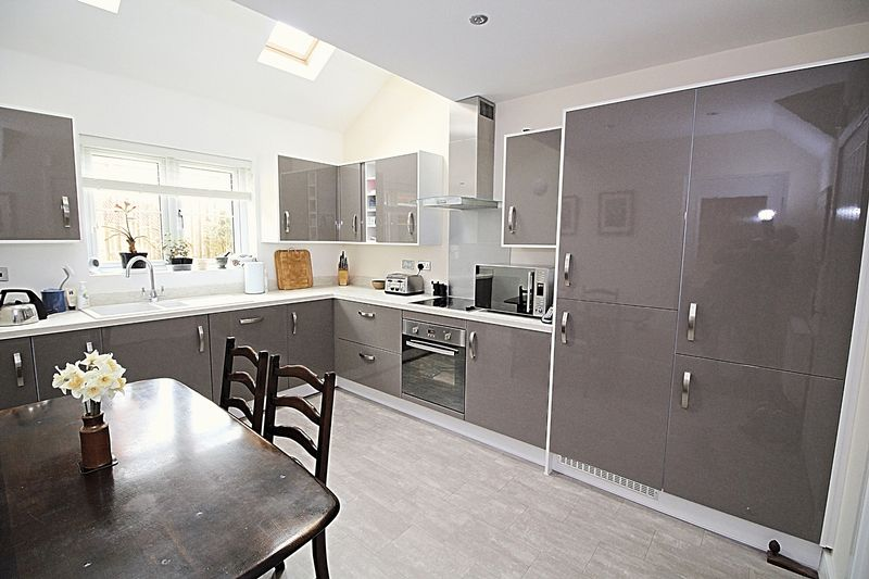 3 Bedrooms Terraced House for sale in Woodberry Down Way, Lyme Regis