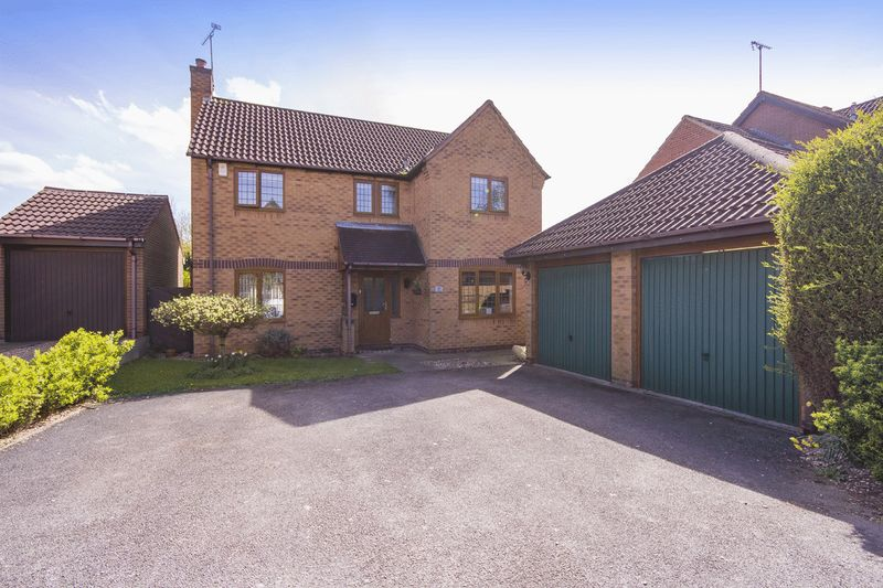 4 Bedrooms Detached House for sale in NORTHACRE ROAD, OAKWOOD
