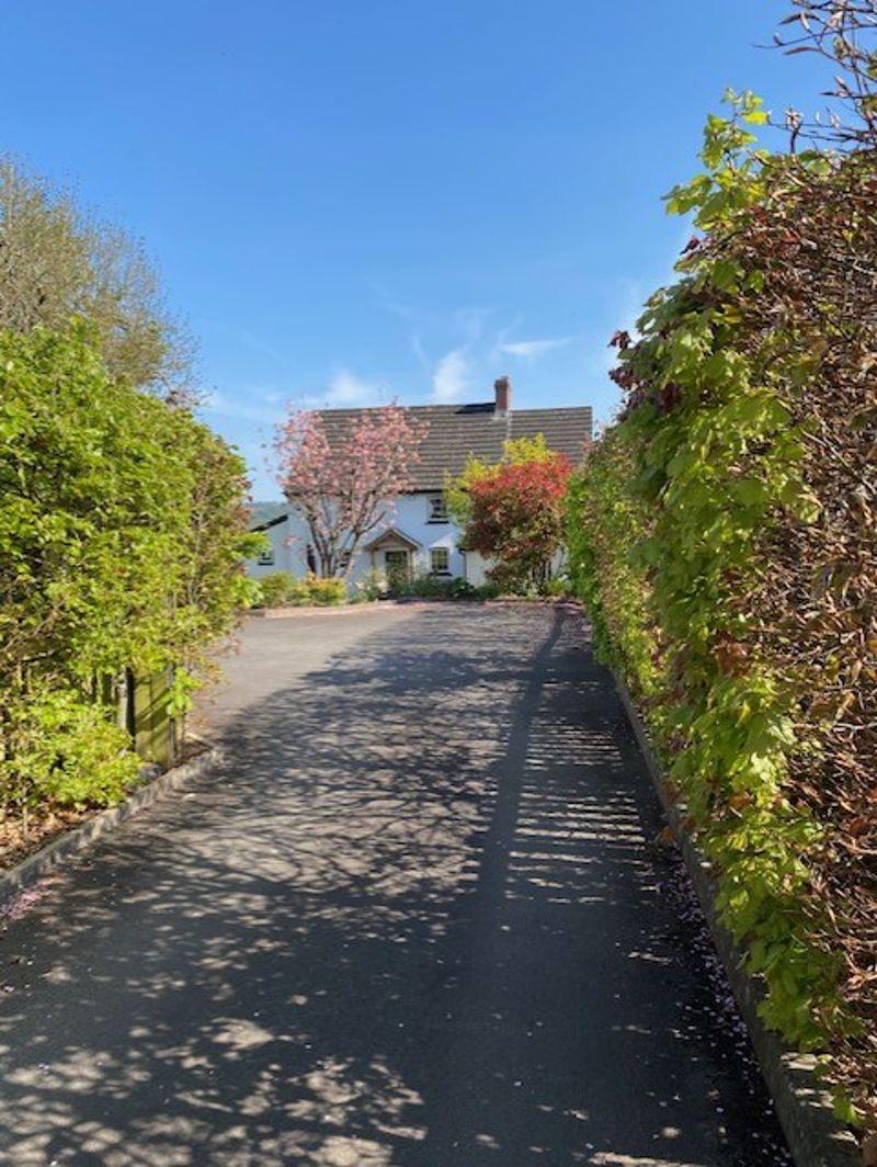 Caerleon Road Llanfrechfa