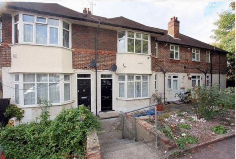 3 Bedrooms Maisonette Flat for sale in Endersleigh Court, Endersleigh Gardens, Hendon, London, NW4 4SE