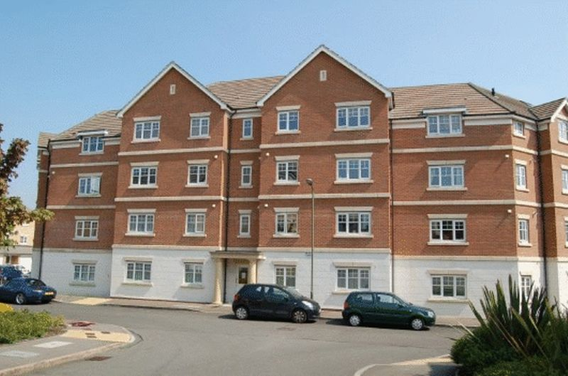 2 Bedrooms Flat for sale in Clarinet Court, Symphony Close, EDGWARE, Middlesex, HA8 0EH