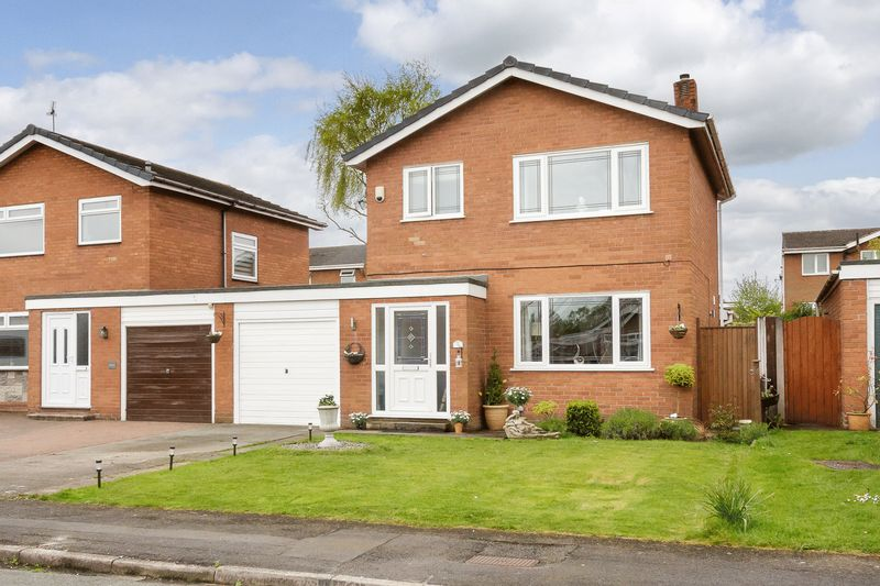 3 Bedrooms Detached House for sale in Hazelwood Road, Barnton, Northwich