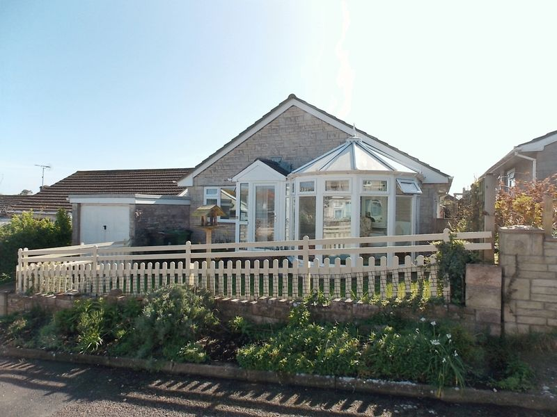 3 Bedrooms Detached Bungalow for sale in Underhedge Gardens, Portland
