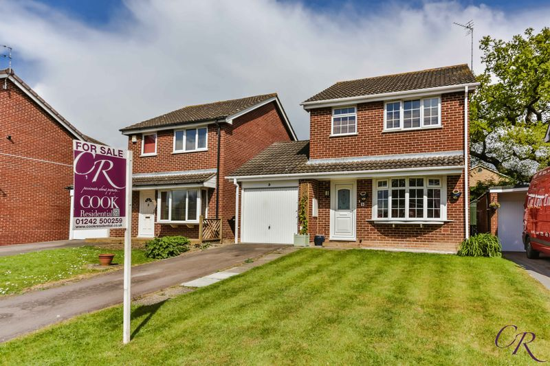 3 Bedrooms Detached House for sale in Darwin Close, Cheltenham