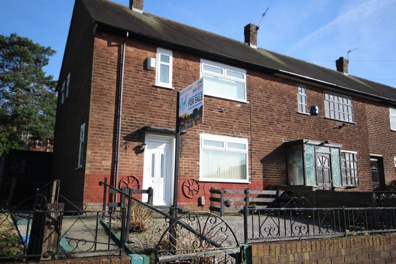 2 Bedrooms Terraced House for sale in Wythburn Road, Middleton M24 5LR