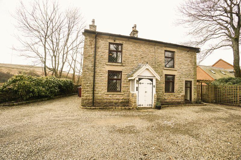 5 Bedrooms Detached House for sale in Hordern Cottage, Rivington Road, Belmont