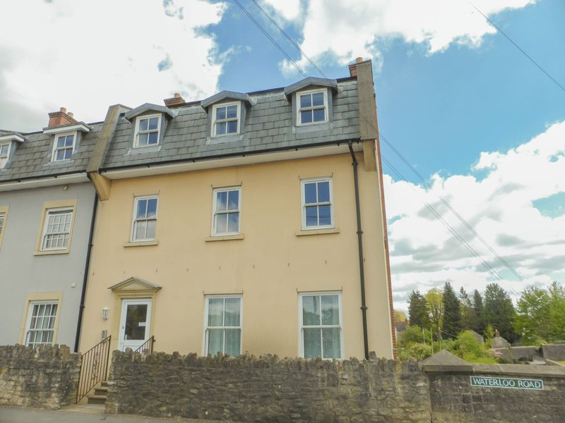 2 Bedrooms Flat for sale in Waterloo Road, Shepton Mallet