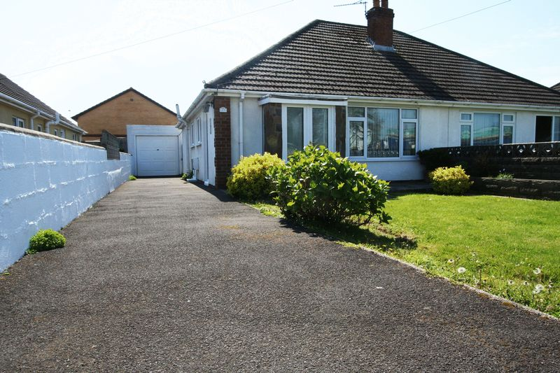 2 Bedrooms Semi Detached Bungalow for sale in St Johns View, St Athan
