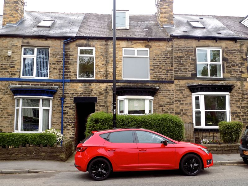3 Bedrooms Terraced House for rent in Manchester Road, Crosspool - Large Property & Rear Garden