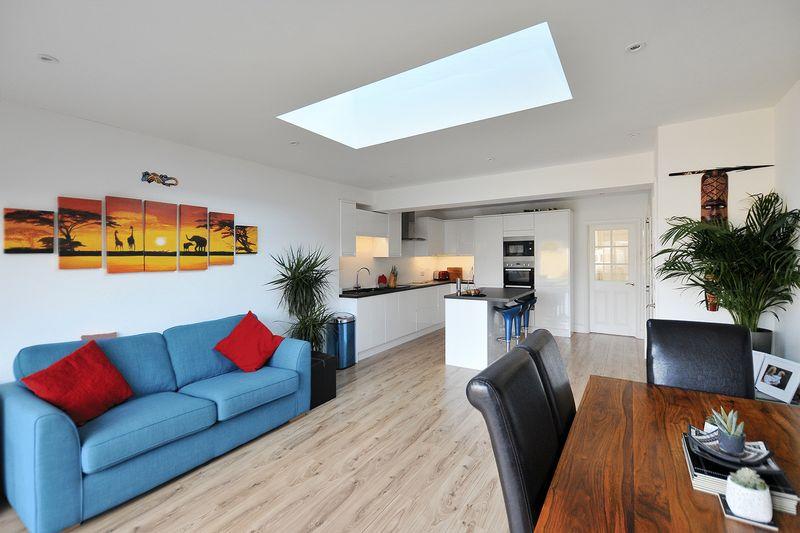 4 Bedrooms Terraced House for sale in Langbury Lane, Ferring