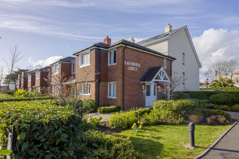1 Bedroom Retirement Property for sale in Bolsover Road, Goring