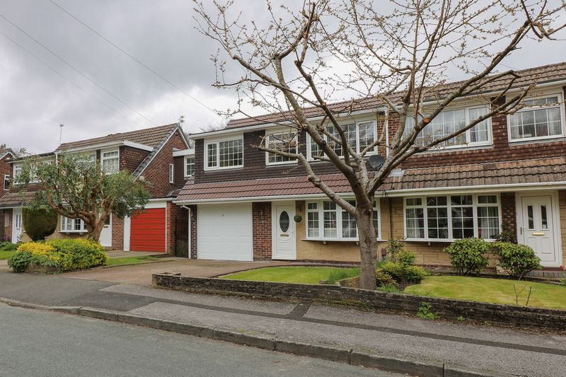 4 Bedrooms Semi Detached House for sale in Woodburn Drive, Smithills, Bolton