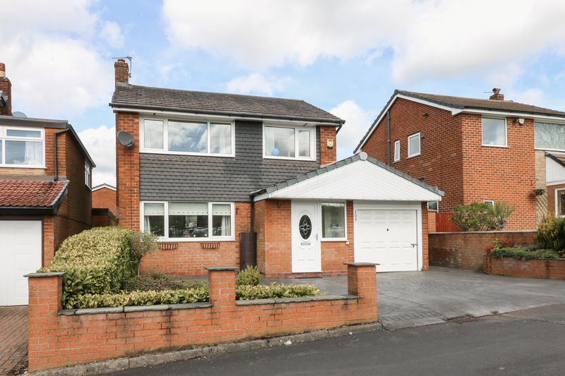 3 Bedrooms Detached House for sale in Stitch Mi Lane, Harwood, Bolton