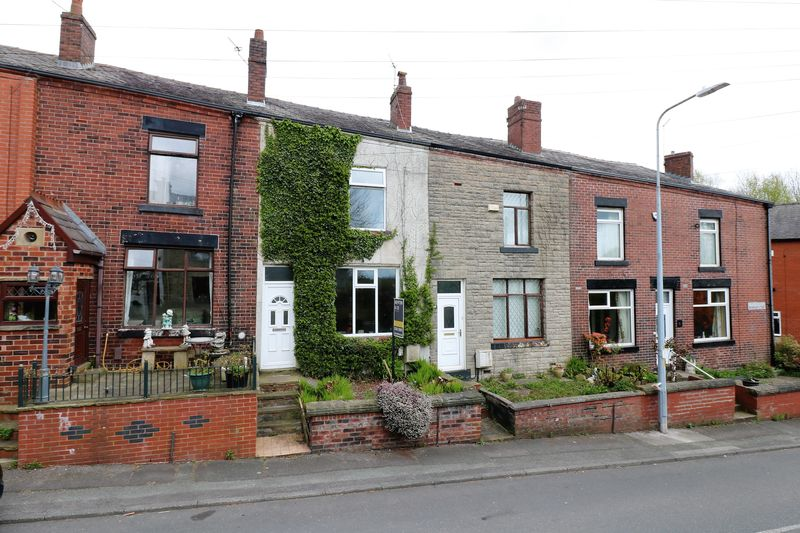 2 Bedrooms Terraced House for sale in Hough Lane, Bolton
