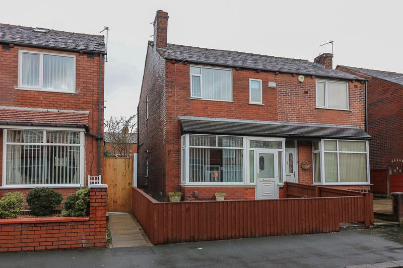 3 Bedrooms Semi Detached House for sale in Dudley Avenue, Bolton