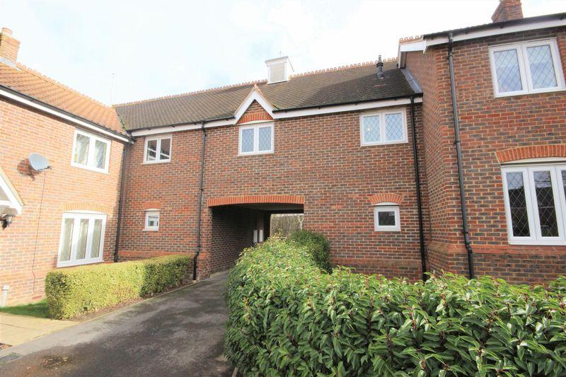 2 Bedrooms Flat for sale in The Furlong, Oakley, Bedford