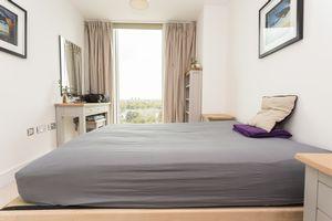 28 Surrey Quays Road,