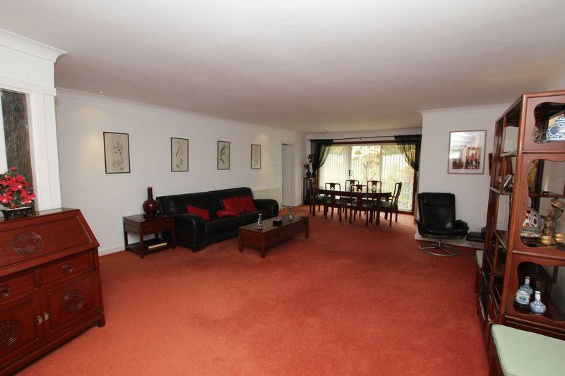 Helenslee Court