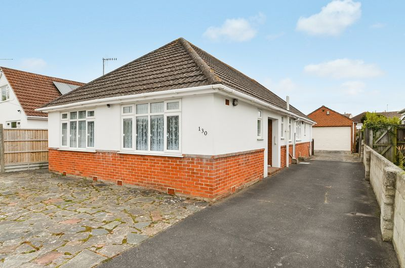 3 Bedrooms Detached Bungalow for sale in Preston Road, Preston, Weymouth